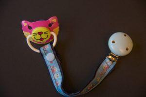 Schnuller-Band, Schnullerband, Schnullerbändel, Schnulliband, Schnullibändel